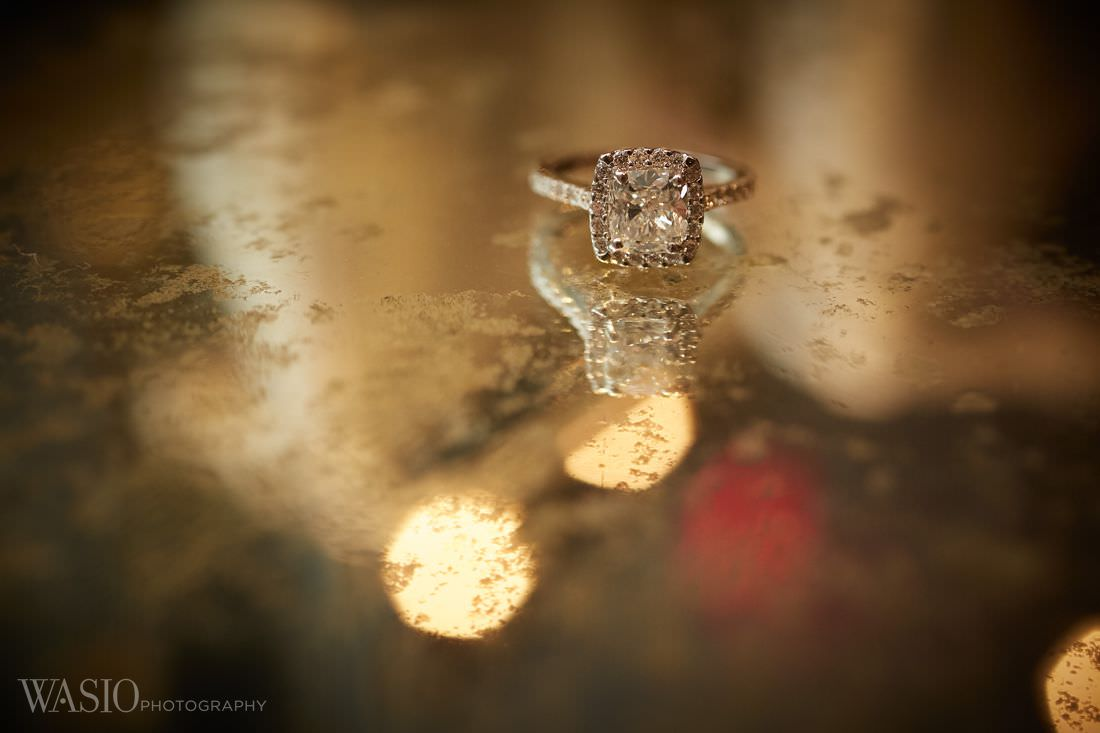 03-chicago-wedding-jewelry-vintage-classy-engagement-ring The Estate by Gene and Georgetti Wedding - Agnes and Ryan