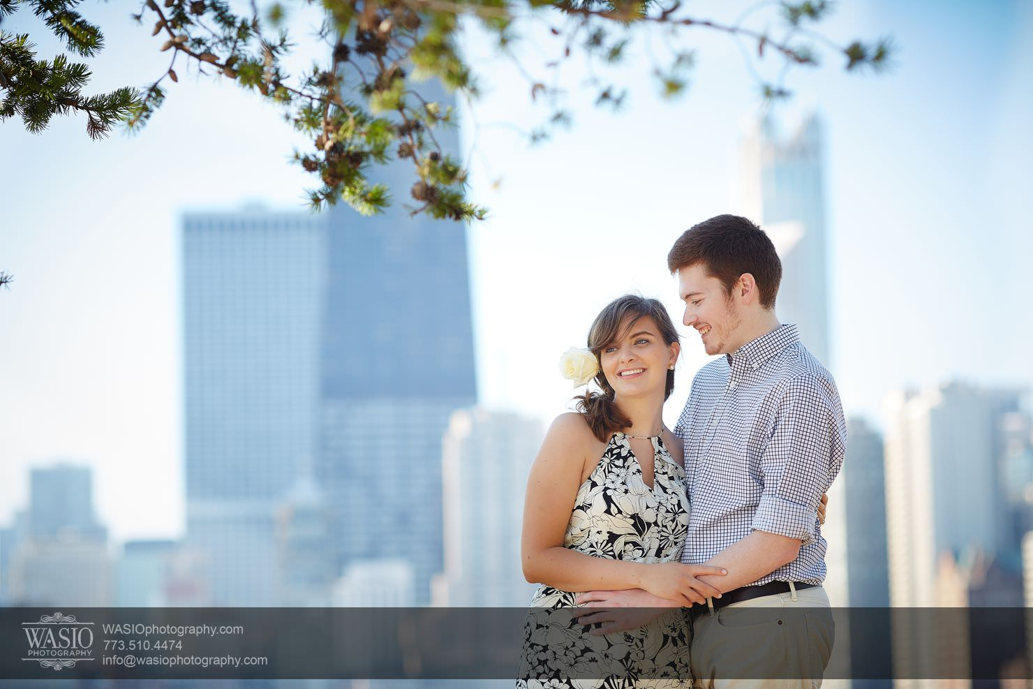 05_Chicago-Lakefront-Engagement_3P4C7520 Chicago Lakefront Engagement - Olivia and Sam