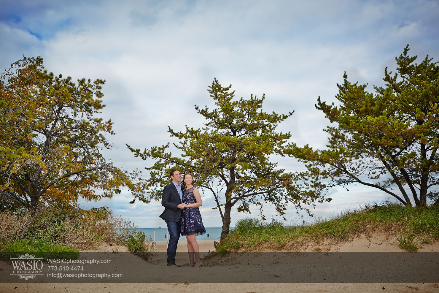 08Chicago-Fall-Engagement_north-avenue-beach_073P4C3184 Chicago Fall Engagement - Keri & Chris