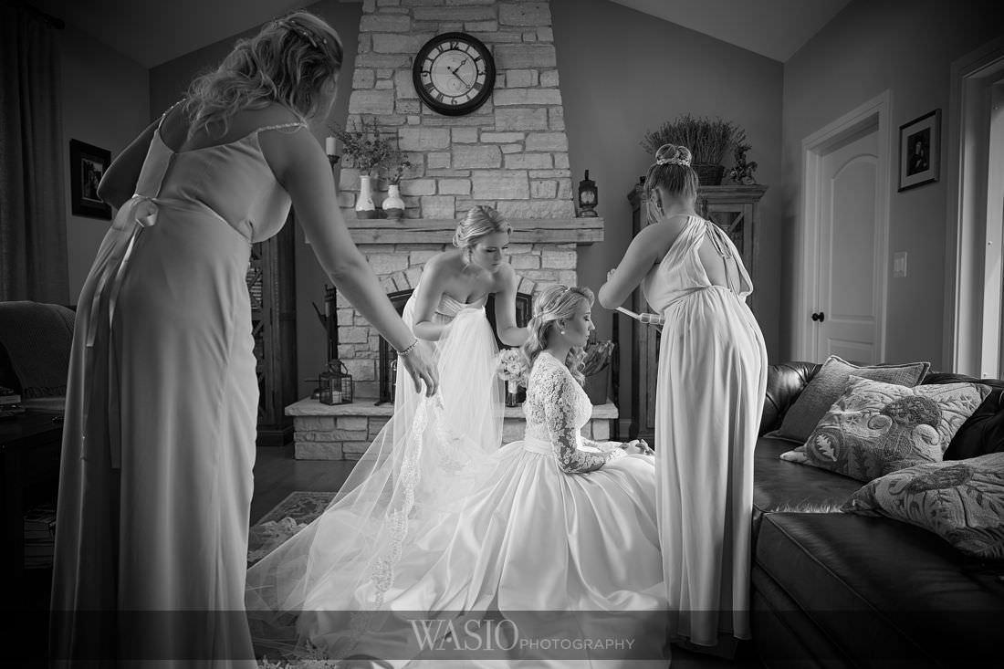 10-1-classy-bride-vail-VR2_0955 Arrowhead Golf Club Wedding - Paula + Josh
