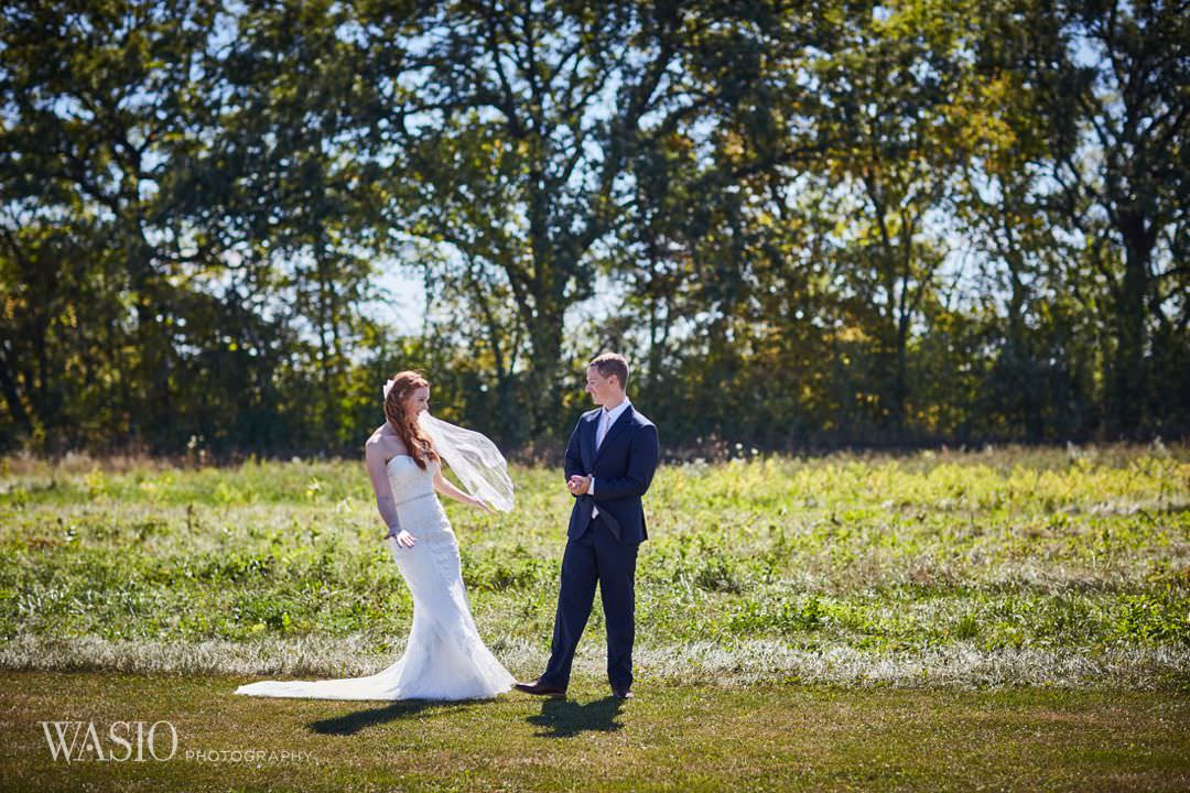 10-chicago-wedding-first-look-outdoor-ido-photography Starved Rock Ottawa Utica Wedding - Emily & Nathan