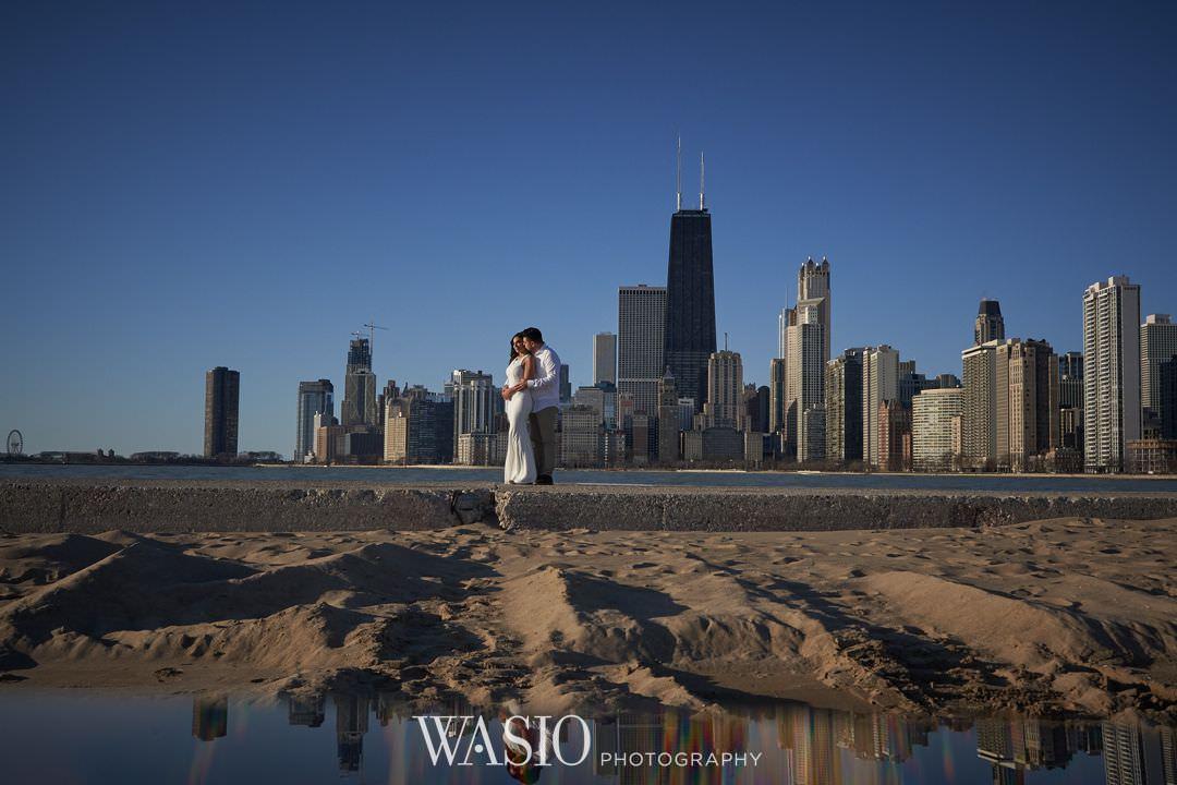 13-chicago-engagement-sunrise-beach-skyline Chicago Sunrise Engagement Session - Sara + Peter