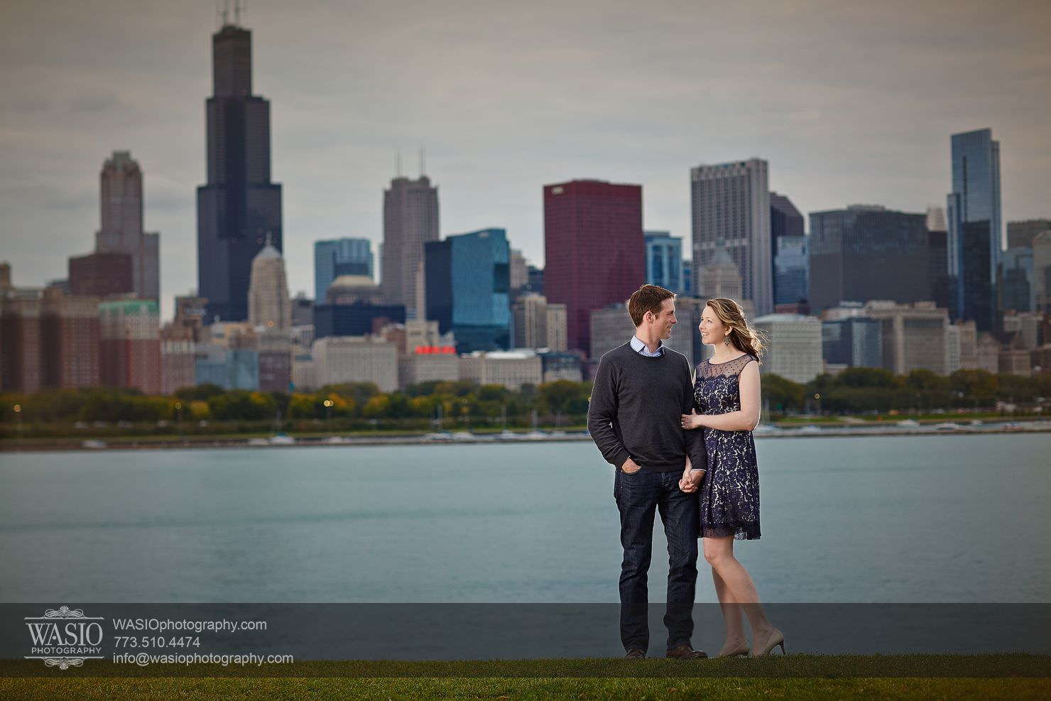 14Chicago-Fall-Engagement_north-avenue-beach_adler-planetarium_120O3A8820 Chicago Fall Engagement - Keri & Chris