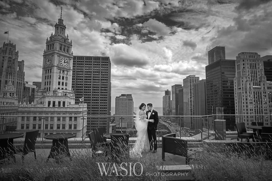 19-chicago-trump-tower-wedding-river-downtown-bride-terrace Chicago River Roast Wedding - Joanna + Mateusz