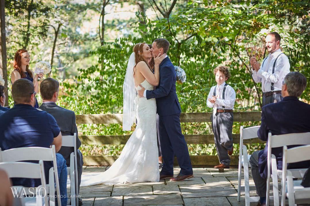 20-chicago-photography-kiss-ceremony-wedding Starved Rock Ottawa Utica Wedding - Emily & Nathan