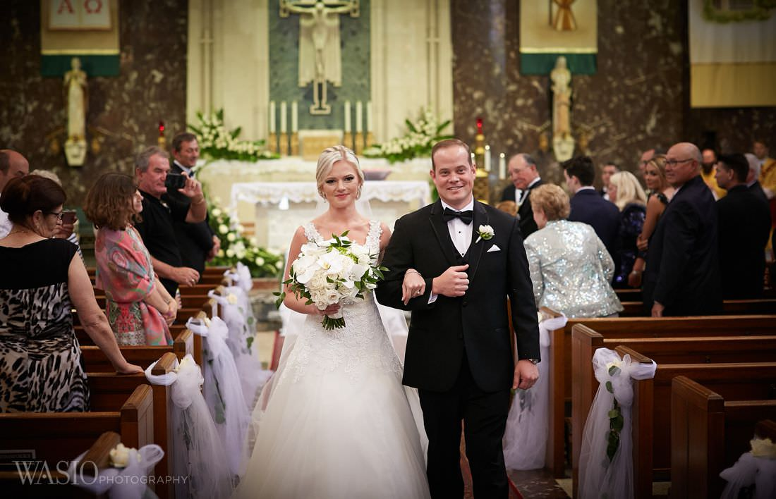 21-i-do-church-chicago-bride-groom The Estate by Gene and Georgetti Wedding - Agnes and Ryan