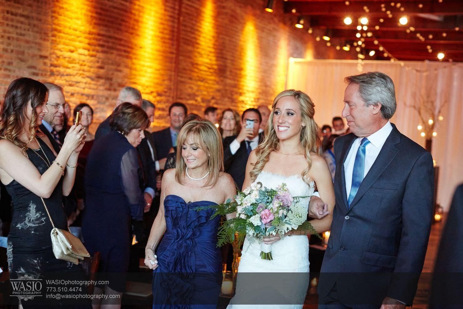 28_Chicago-Gallery-Wedding_0O3A8796 Chicago Gallery Wedding - Courtney + Danny