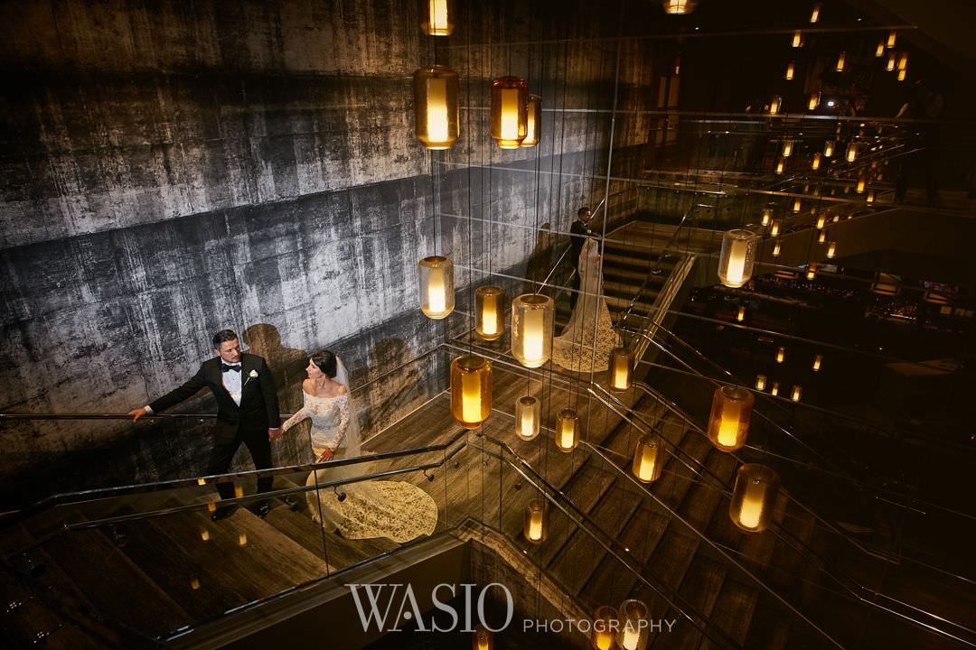 34-chicago-trump-tower-wedding-river-renaissance-hotel-bride Chicago River Roast Wedding - Joanna + Mateusz