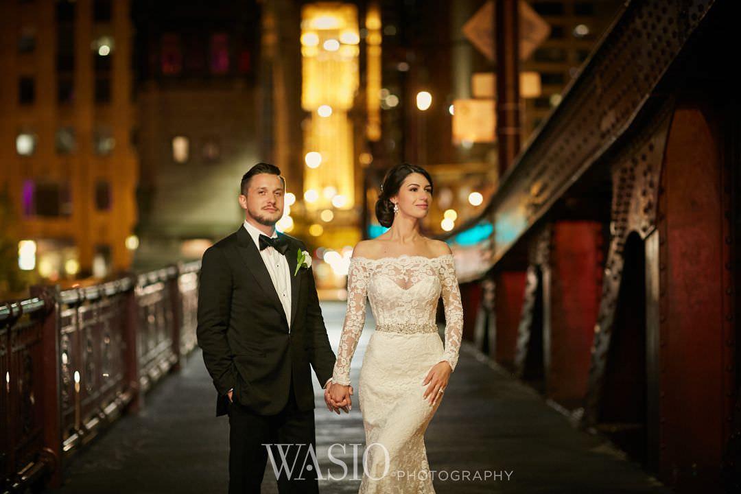 35-chicago-trump-tower-wedding-river-walk-river-roast Chicago River Roast Wedding - Joanna + Mateusz