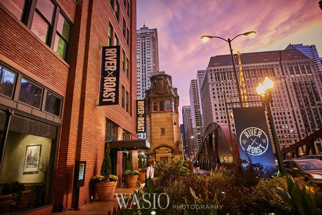 37-chicago-trump-tower-wedding-river-roast-restaurant Chicago River Roast Wedding - Joanna + Mateusz