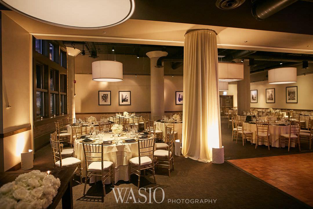 40-chicago-trump-tower-wedding-river-roast-decor Chicago River Roast Wedding - Joanna + Mateusz