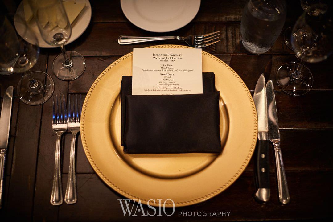 42-chicago-trump-tower-wedding-river-roast-decor-details Chicago River Roast Wedding - Joanna + Mateusz