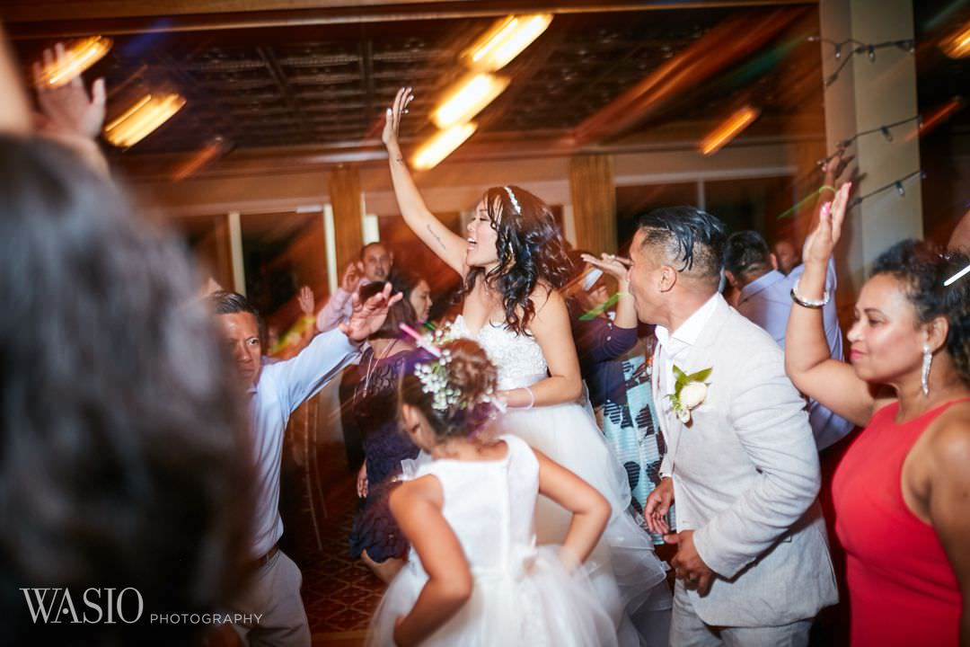 45-bull-valley-golf-club-chicago-weddin-fun-dance-bride Bull Valley Golf Club Wedding - Linh and Tony
