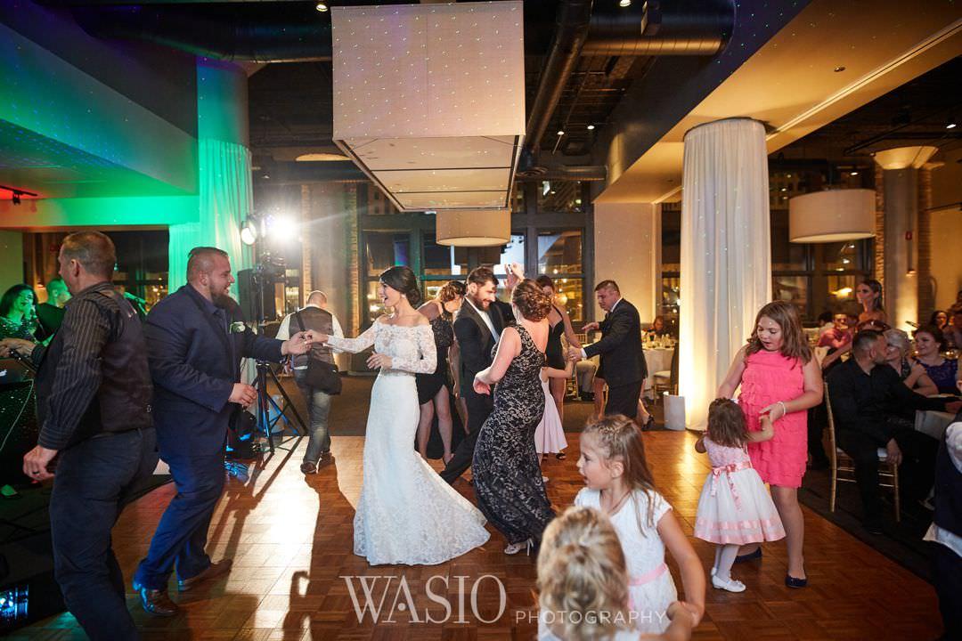 47-chicago-trump-tower-wedding-river-roast-reception- Chicago River Roast Wedding - Joanna + Mateusz