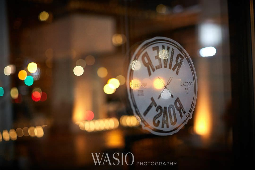 49-river-roast-wedding-restaurant-reflection-downtown Chicago River Roast Wedding - Joanna + Mateusz