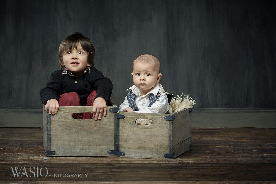 6-month-photo-shoot-ideas-brothers-happy-cute-smiles-4 6 Month Photo Shoot Ideas - Benjamin