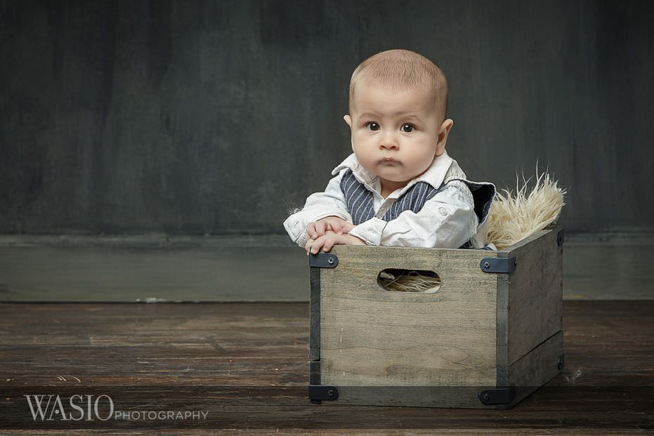 6-month-photo-shoot-ideas-cute-baby-boy-6 6 Month Photo Shoot Ideas - Benjamin