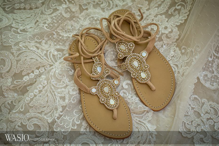Best-of-wedding-shoes-2016-flip-flop-fancy-bridal-flats-comfortable-beach-inspiration-011 Cast your vote for Best of Wedding Shoes 2016