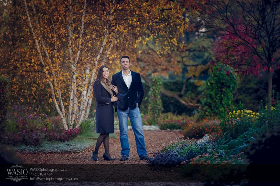 Cantigny-Garden-Engagement-autum-leaves_80-931x620 Cantigny Garden Engagement - Carol + Paul