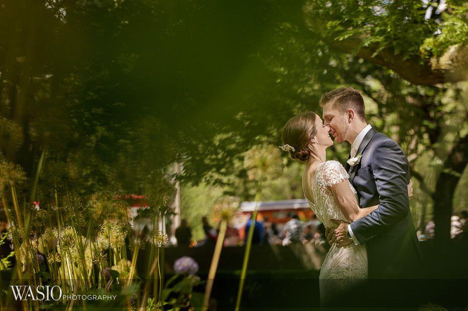 Chicago-Athletic-Association-Wedding-art-institute-gardens-bride-groom-kissing-nature-summer-114 Chicago Athletic Association Wedding - Allison and Clayton