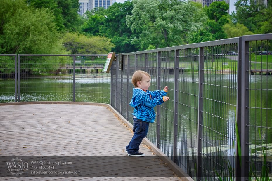 Chicago-Childrens-photography-two-year-old-standing-outdoors-106-931x620 Chicago children's photography - Tyler