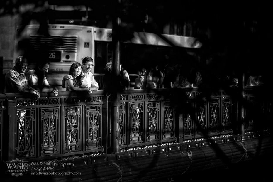 Chicago-Destination-Engagement-black-white-photography-lasalle-bridge-110-931x620 Chicago Destination Engagement - Mai + PJ