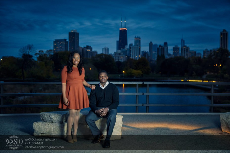 Chicago-Engagement-Pictures-Lincoln-Park-skyline-_76-931x620 Chicago Engagement Pictures - Laura + James