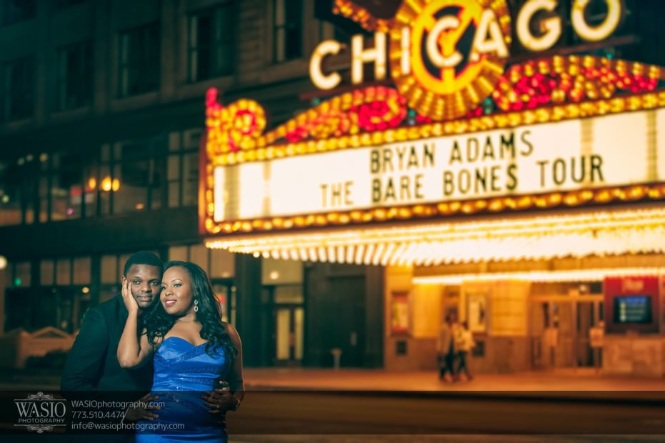 Chicago-Engagement-Pictures-chicago-theater-romance_78-931x620 Chicago Engagement Pictures - Laura + James
