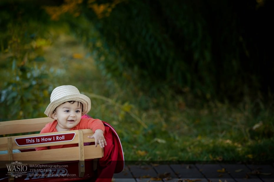 Chicago-Family-Photograpy-fall-wagon-colors-hat-045-931x620 Chicago Family Photography Session