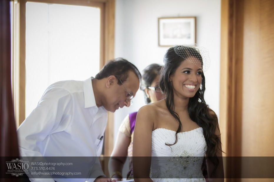 Chicago-Indian-wedding-photograpy-Indian-Bride-parents-happy-smiling-headpiece-010-931x620 Chicago Indian Wedding  - Cheryl + Brian