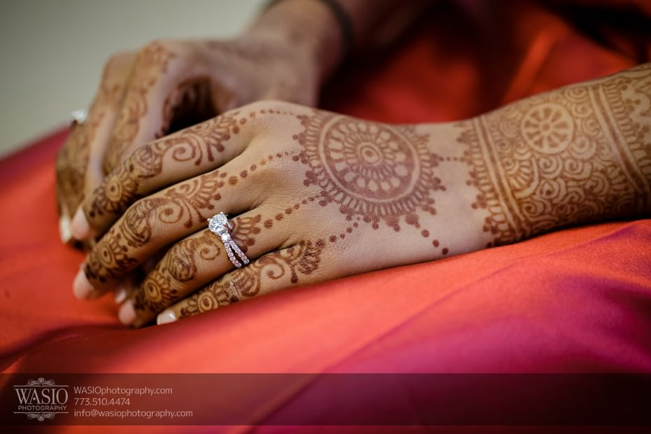 Chicago-Wedding-Photography-South-Asian-Indian-Wedding-0168-henna-hands-bride-getting-ready-931x620 South Asian Indian Wedding at JW Marriott - Shreya + Monil