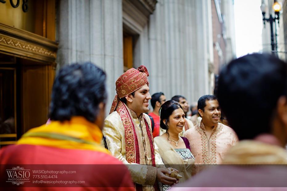 Chicago-Wedding-Photography-South-Asian-Indian-Wedding-0179-Baraat-LaSalle-downtown-931x620 South Asian Indian Wedding at JW Marriott - Shreya + Monil