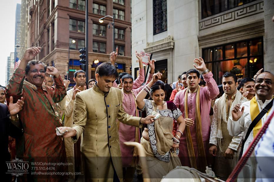 Chicago-Wedding-Photography-South-Asian-Indian-Wedding-0183-Baraat-LaSalle-downtown-931x620 South Asian Indian Wedding at JW Marriott - Shreya + Monil