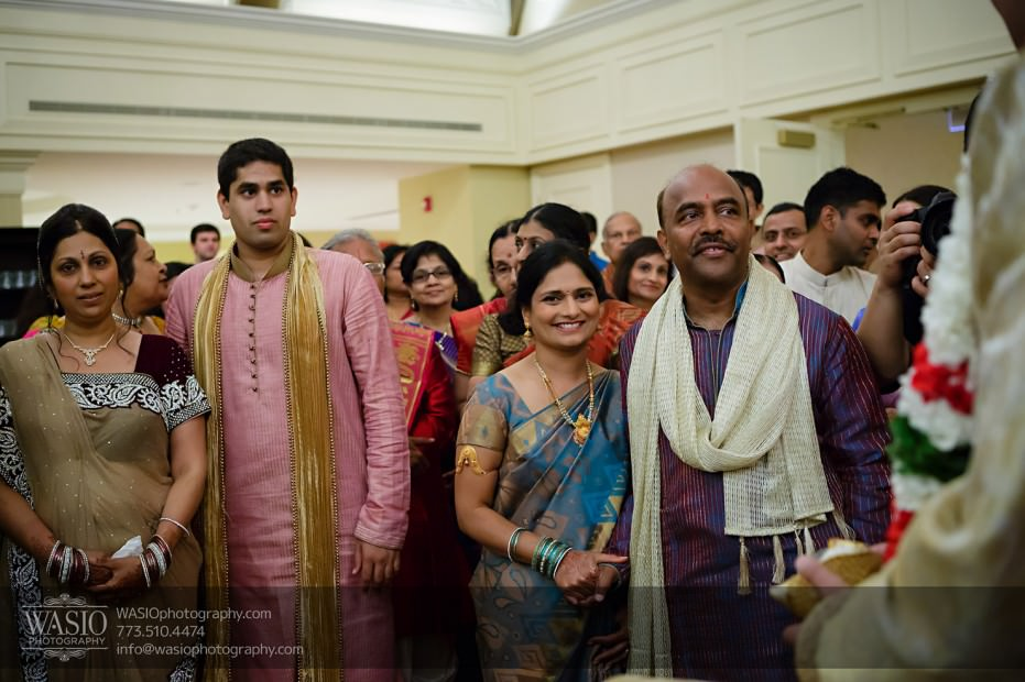 Chicago-Wedding-Photography-South-Asian-Indian-Wedding-0186-931x620 South Asian Indian Wedding at JW Marriott - Shreya + Monil