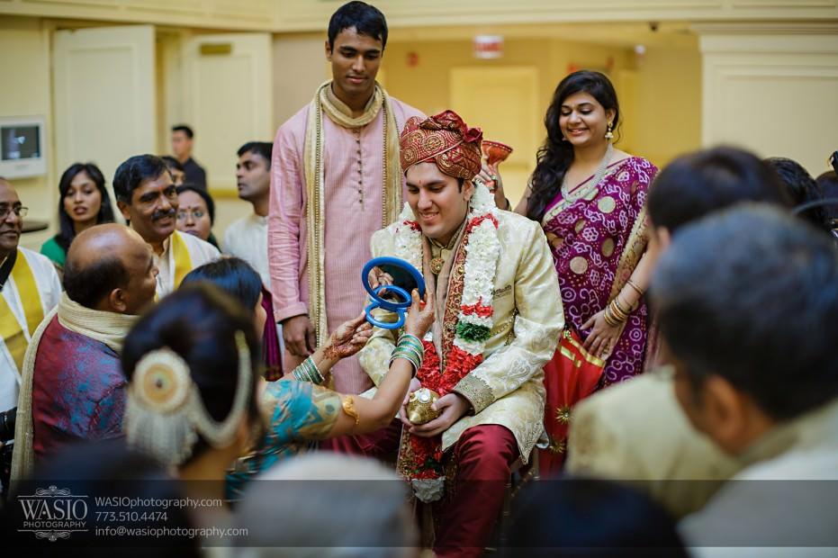 Chicago-Wedding-Photography-South-Asian-Indian-Wedding-0188-931x620 South Asian Indian Wedding at JW Marriott - Shreya + Monil