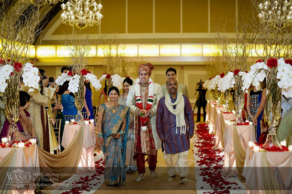 Chicago-Wedding-Photography-South-Asian-Indian-Wedding-0192-931x620 South Asian Indian Wedding at JW Marriott - Shreya + Monil