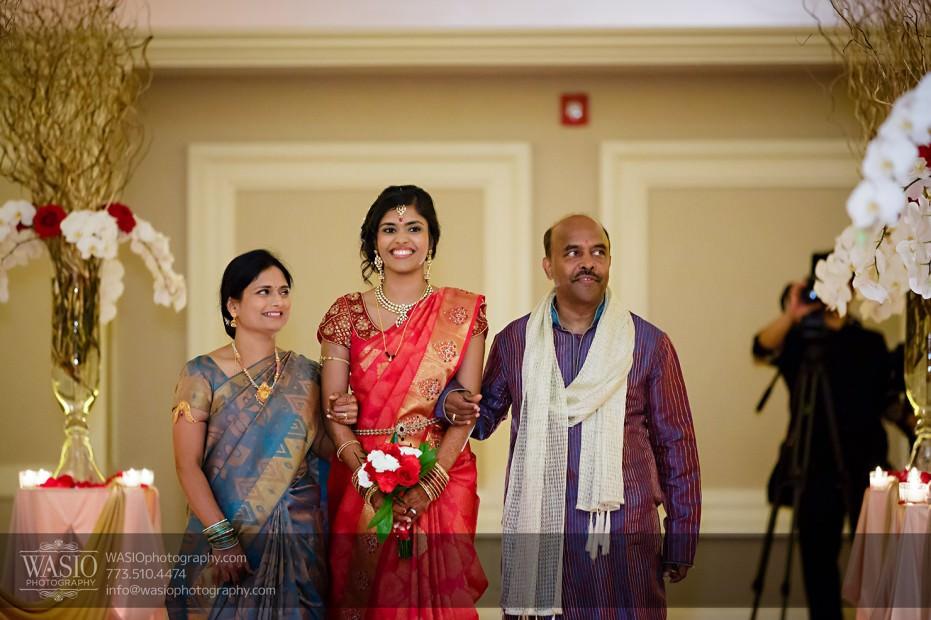 Chicago-Wedding-Photography-South-Asian-Indian-Wedding-0194-931x620 South Asian Indian Wedding at JW Marriott - Shreya + Monil
