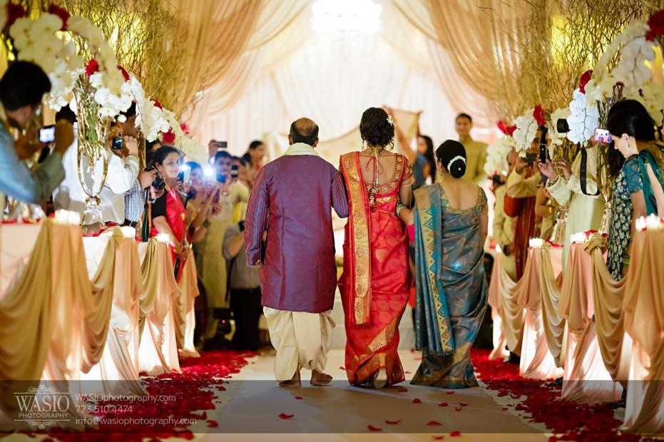 Chicago-Wedding-Photography-South-Asian-Indian-Wedding-0195-931x620 South Asian Indian Wedding at JW Marriott - Shreya + Monil