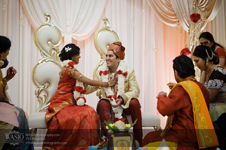 Chicago-Wedding-Photography-South-Asian-Indian-Wedding-0200-931x620 South Asian Indian Wedding at JW Marriott - Shreya + Monil