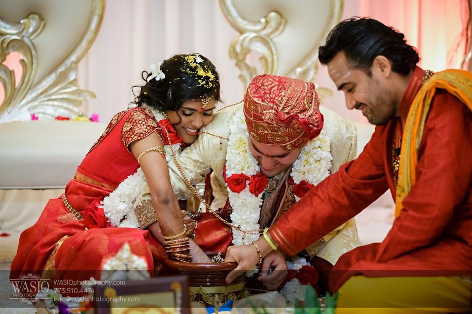 Chicago-Wedding-Photography-South-Asian-Indian-Wedding-0207-931x620 South Asian Indian Wedding at JW Marriott - Shreya + Monil