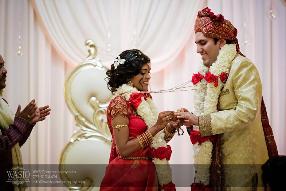 Chicago-Wedding-Photography-South-Asian-Indian-Wedding-0208-931x620 South Asian Indian Wedding at JW Marriott - Shreya + Monil