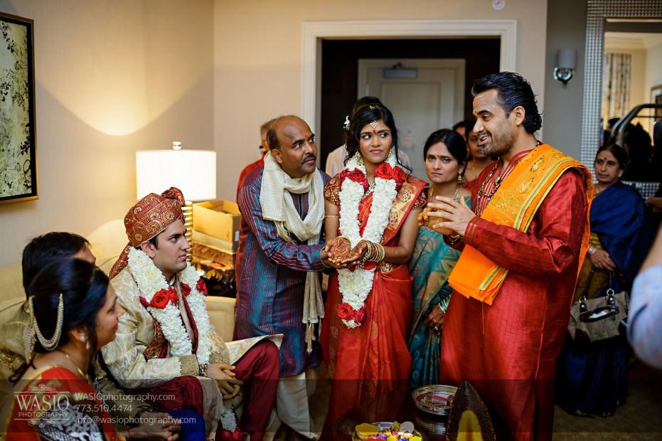 Chicago-Wedding-Photography-South-Asian-Indian-Wedding-0210-931x620 South Asian Indian Wedding at JW Marriott - Shreya + Monil