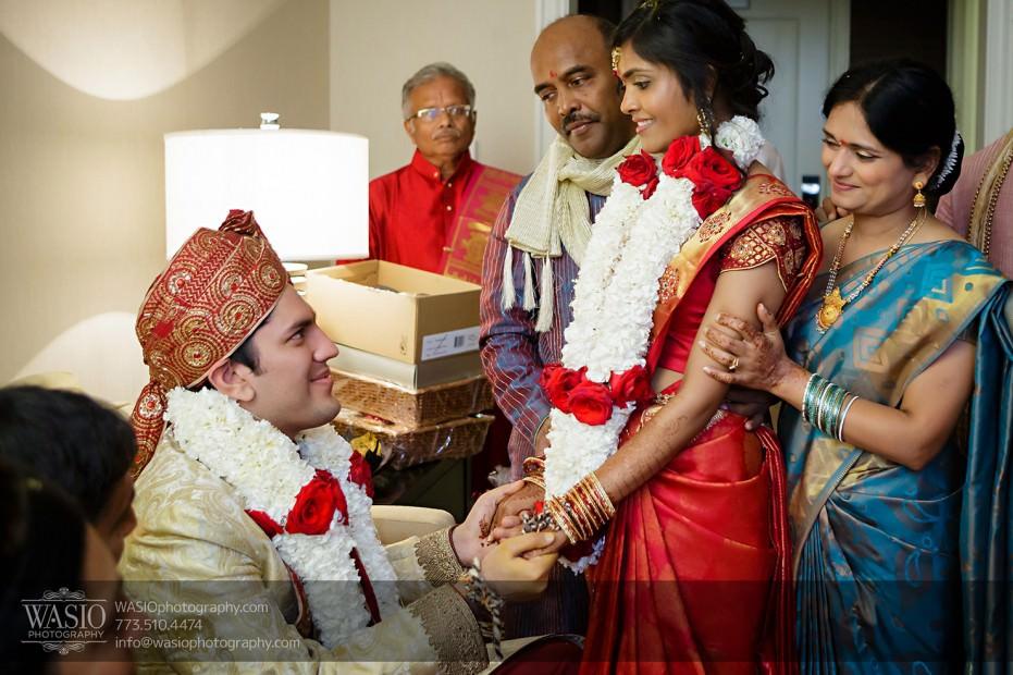 Chicago-Wedding-Photography-South-Asian-Indian-Wedding-0214-931x620 South Asian Indian Wedding at JW Marriott - Shreya + Monil