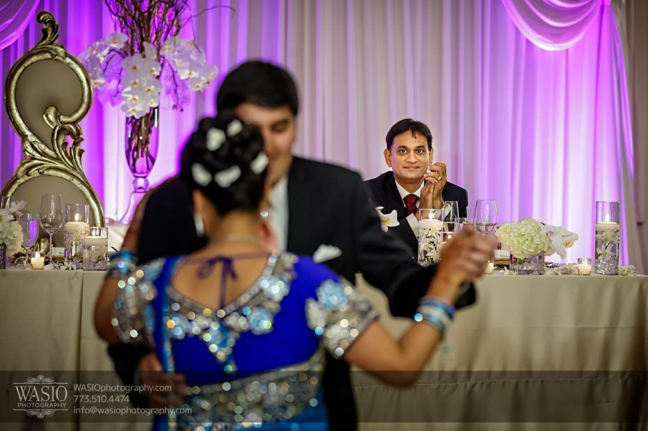 Chicago-Wedding-Photography-South-Asian-Indian-Wedding-0256-mother-of-the-groom-dance-jw-marriott-931x620 South Asian Indian Wedding at JW Marriott - Shreya + Monil