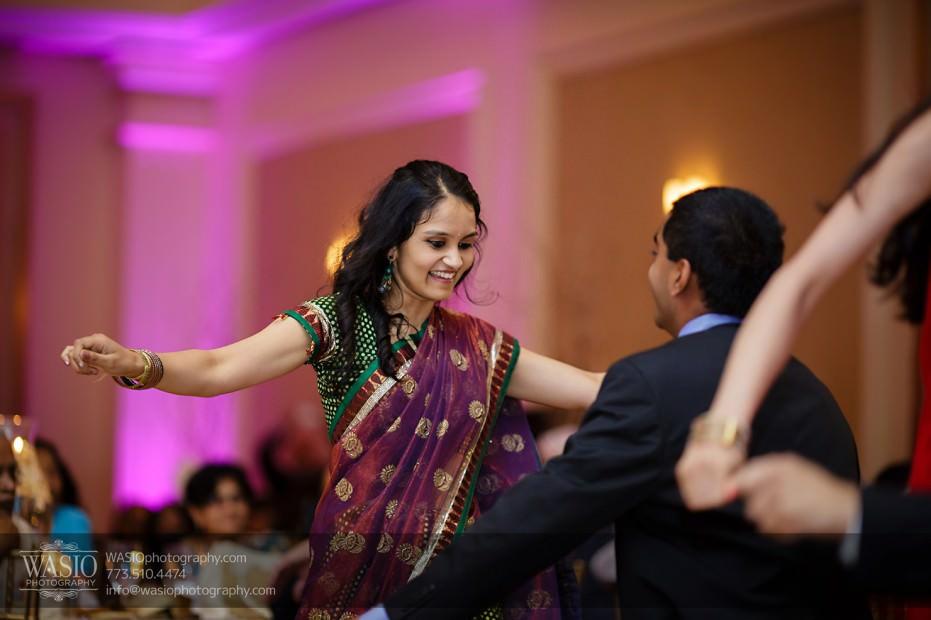 Chicago-Wedding-Photography-South-Asian-Indian-Wedding-0259-fun-reception-dances-931x620 South Asian Indian Wedding at JW Marriott - Shreya + Monil