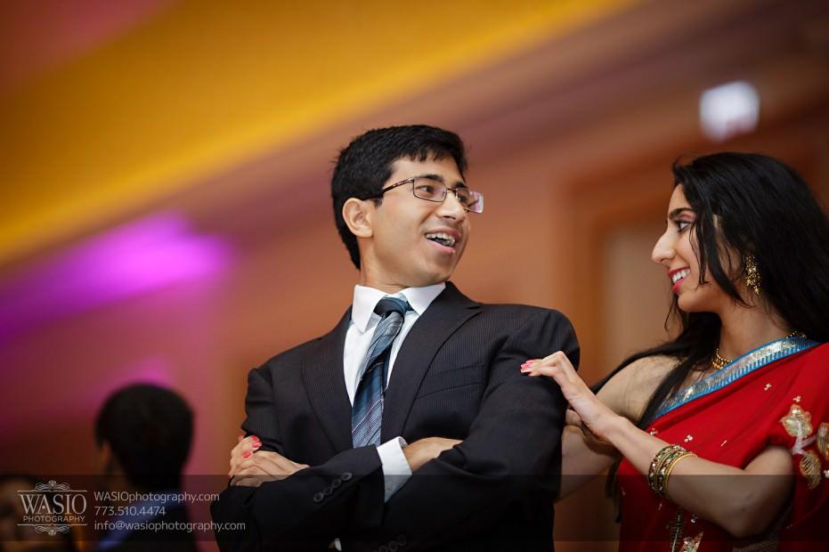 Chicago-Wedding-Photography-South-Asian-Indian-Wedding-0260-fun-reception-dances-931x620 South Asian Indian Wedding at JW Marriott - Shreya + Monil