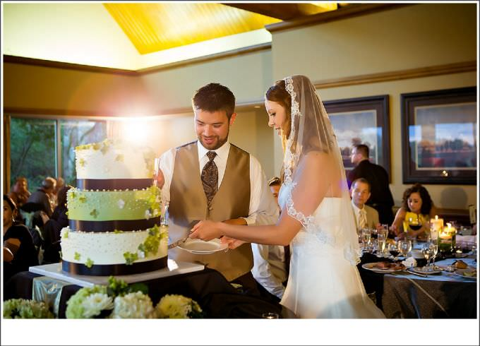 Chicago-Wedding-Photography-cake-cutting-bull-valley_351-680x490 Country Club Wedding photography at Bull Valley - Shannon + Keith