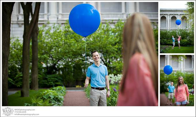 Chicago-Wedding-engagement-Photography-fun-casual-blue-balloon-prop-680x406 Art Institute Gardens Engagement - Natalia & Michal