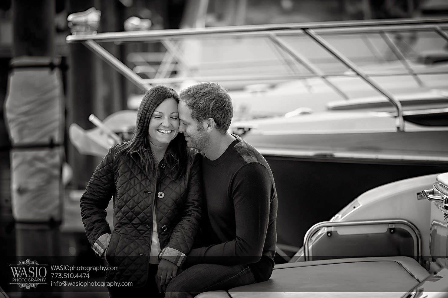 Chicago Black and White photography engagement session – Katherine+Mike