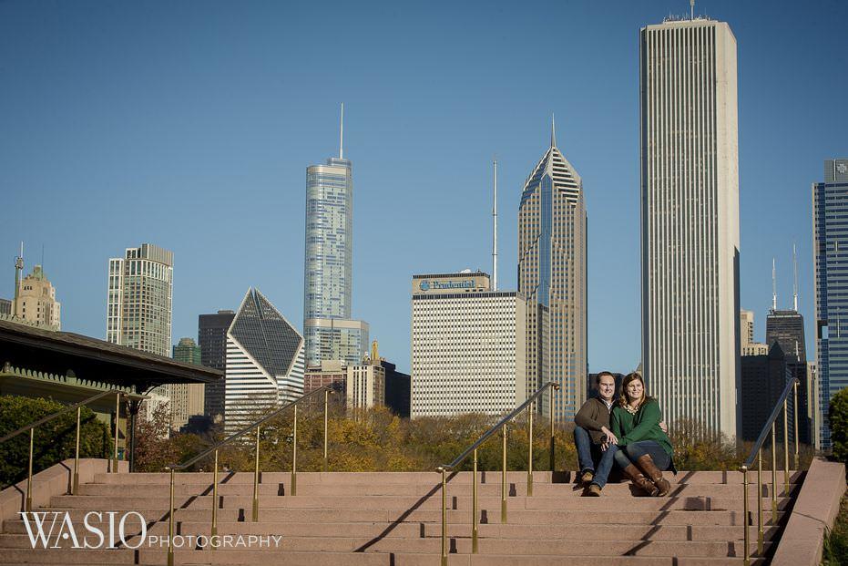 Chicago-engagement-downtown-skyline-buckingham-fountain-trump-tower-27 Chicago Engagement - Allie + John
